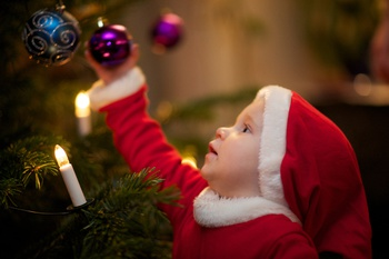 Holiday Decorating – Keeping Children and Pets Safe